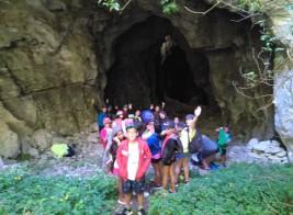 CORNEJO 11-21 julio: Visita a las cuevas y grito de guerra