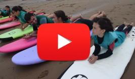 SURF y MULTIAVENTURA GETXO 21-31 julio: Surf en Arrietara (VÍDEO)