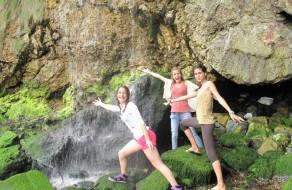 waterfall - cascada escondida