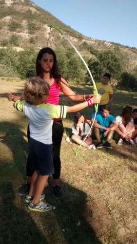 CORNEJO 1-11 agosto: Practicando la puntería con el tiro con arco (FOTOS)