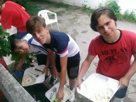 SURF 1-11 julio: Limpiando platos y felicitanto (FOTOS)