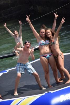 SURF 11-21 julio: Saltando en el parque acuático