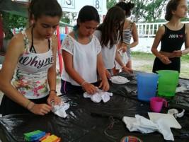 SURF y MULTIAVENTURA GETXO 1-11 julio: Tiñendo camisetas (FOTOS)