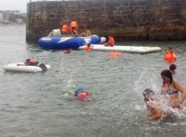 SURF y MULTIAVENTURA GETXO 1-10 agosto: Parque acuático en el Puerto Viejo (FOTOS)