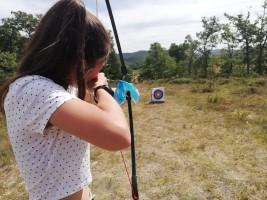 CORNEJO 1-11 AGOSTO: Practicando tirolina y tiro con arco  (FOTOS)